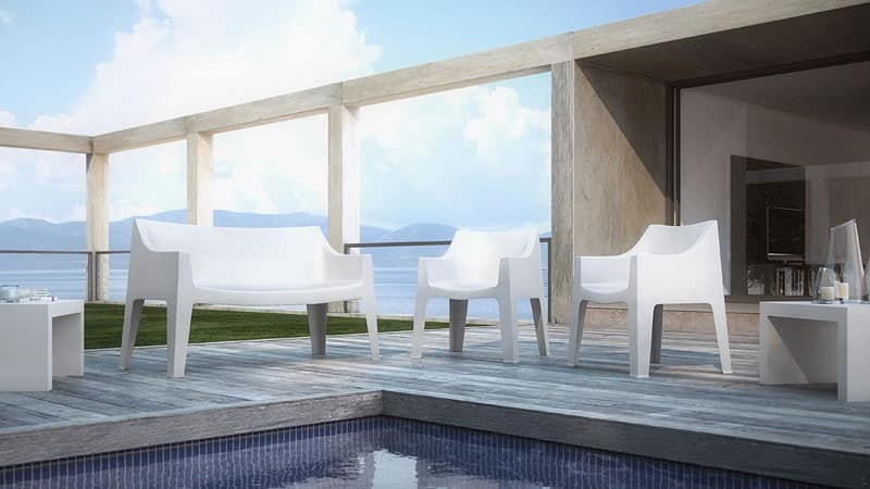 stabiles und bequemes sofa in propylen f r den. Black Bedroom Furniture Sets. Home Design Ideas