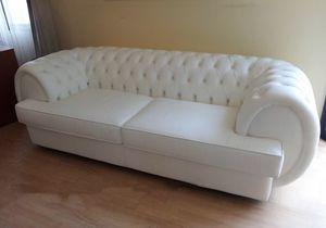 Gioconda Sofa, Kapitoniertes Sofa aus weißem Leder