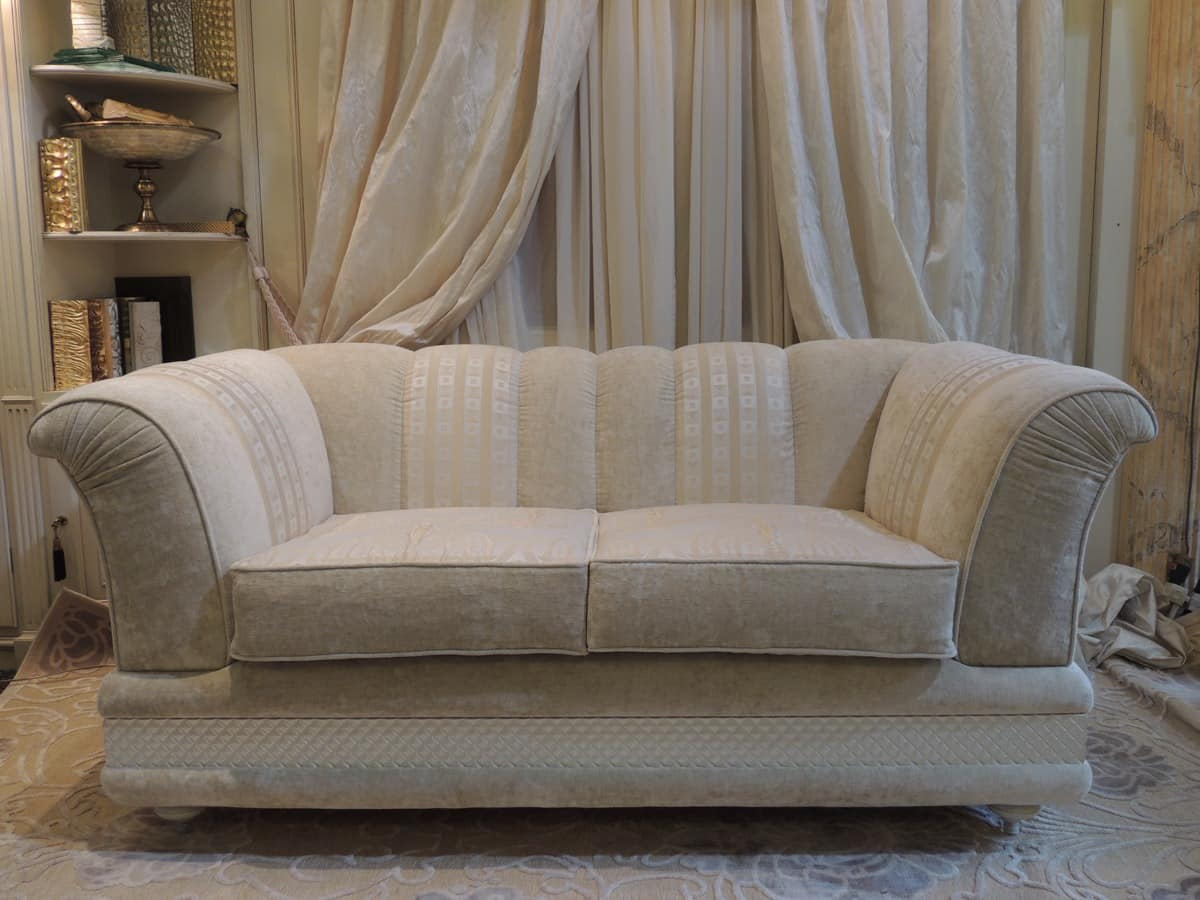 Zweisitzer sofa bezogen mit stoff klassischen stil for Zweisitzer sofa
