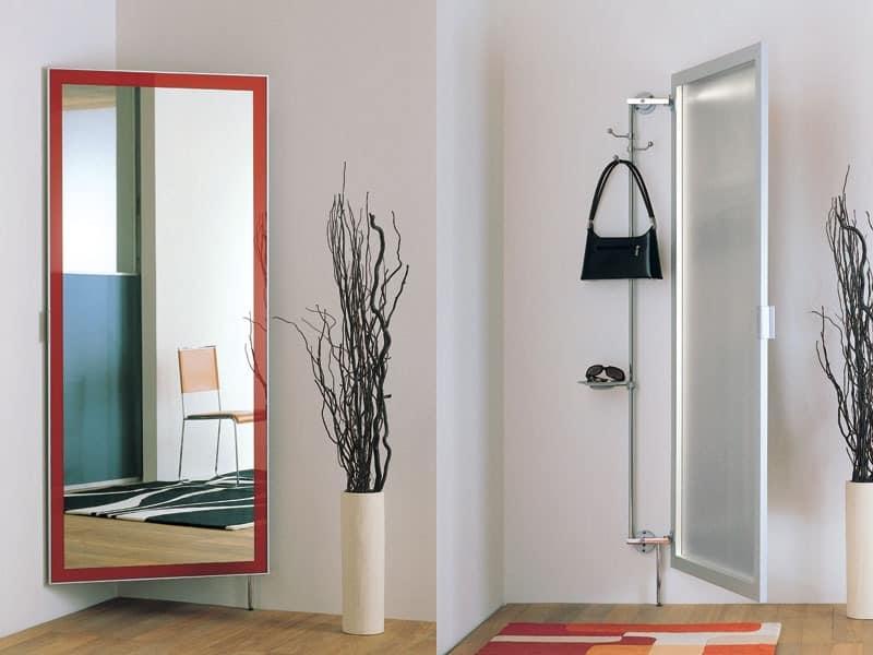 k101 nascondino, Spiegel mit clother Kleiderbügeln und Ablagefach