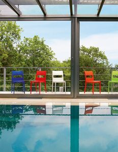 SE 2275, Wetterfeste Stühle im Freien