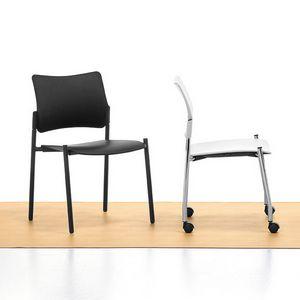 Urban Plastic 01, Stapelbare Stuhl, Sitz und Rückenlehne aus Polypropylen