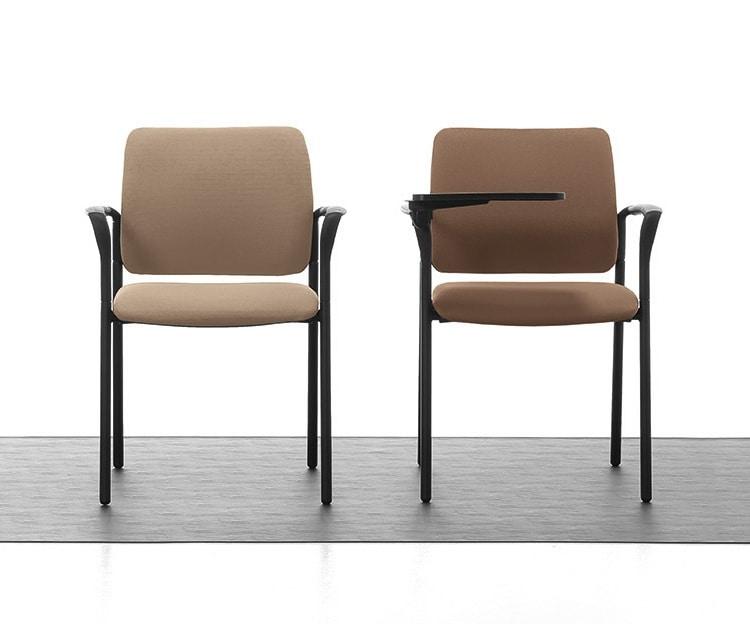 Urban Soft 02, Gepolsterte stapelbarer Stuhl mit Armlehnen für Konferenzzimmer