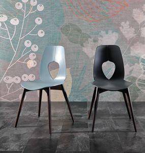 HOLE WOOD, Stuhl mit Schale aus Polypropylen, Holzbeine