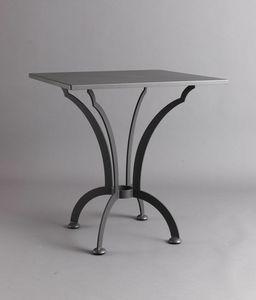 ARCHI GF4013TA-SQ, Quadratischer Eisentisch für den Außenbereich