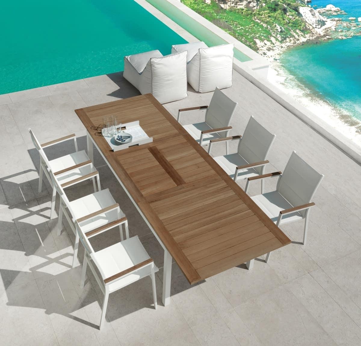ausziehbarer esstisch f r den au enbereich idfdesign. Black Bedroom Furniture Sets. Home Design Ideas