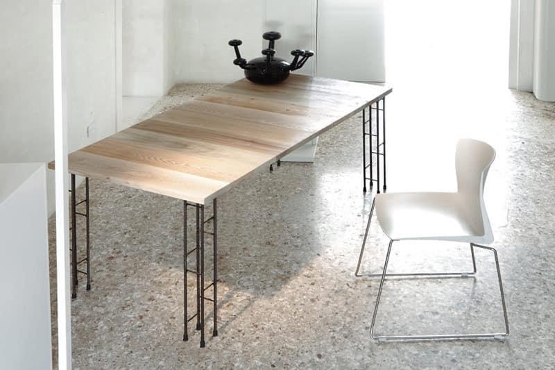 tabelle alegante metall holz f r restaurant idfdesign. Black Bedroom Furniture Sets. Home Design Ideas
