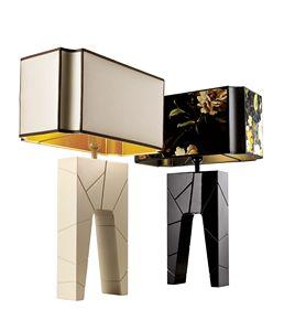 740302 Zarafa, Nachttischlampe mit Sockel aus lackiertem Massivholz