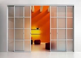 schiebet r mit f hrungsschiene fensterl den in der. Black Bedroom Furniture Sets. Home Design Ideas