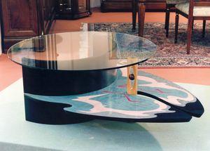 Art. 235, Polychrome Couchtisch mit Glasplatte