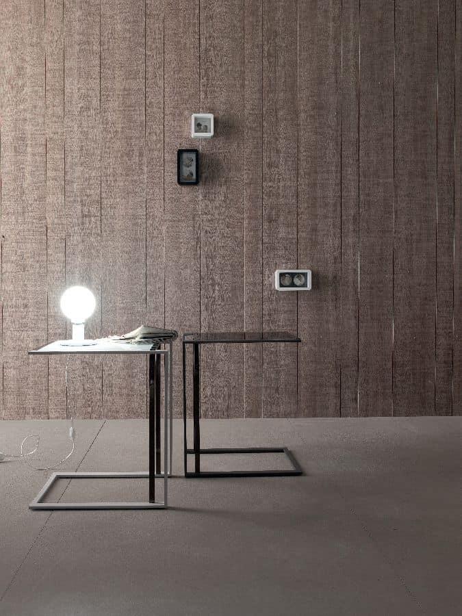 design tisch aus metall und geh rtetem glas f r wohnzimmer idfdesign. Black Bedroom Furniture Sets. Home Design Ideas