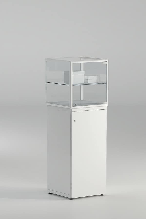 vitrine f r schmuck mit schloss idfdesign. Black Bedroom Furniture Sets. Home Design Ideas