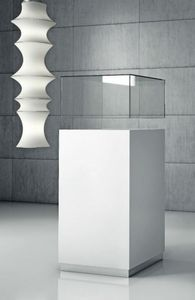 Quadratum Q/50, Schrank mit Vitrine aus Glas oder Plexiglas