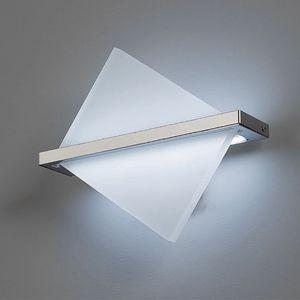 L8068, Wandlampe mit modernen Geometrien