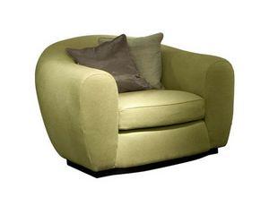 Tobia, Sessel mit einer abgerundeten Form