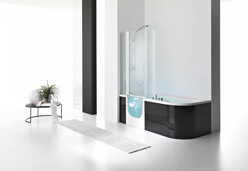 moderne badewanne mit t r in glas idfdesign. Black Bedroom Furniture Sets. Home Design Ideas