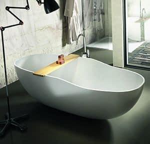 West, Badewanne mit einer bestimmten Form