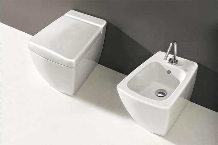 toilette mit bidet und wc sitz idfdesign. Black Bedroom Furniture Sets. Home Design Ideas