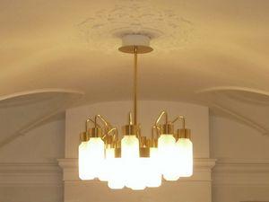Gold-Kronleuchter, Kronleuchter ideal für gewerbliche Räume