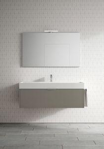 Basic comp.03, Großzügiger Badezimmerschrank mit großem Waschbecken
