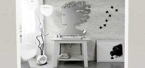Bath Table 03, Weiß lackierter Badezimmerschrank
