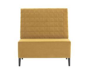Linear 02451Q, Sitzbank mit quadratischer, getufteter Rückenlehne