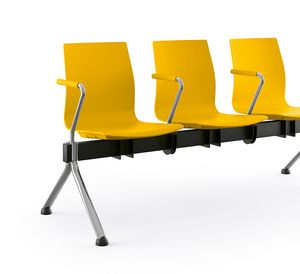 Q3, Sitzbänke auf Balken, optional mit Sitzteiler