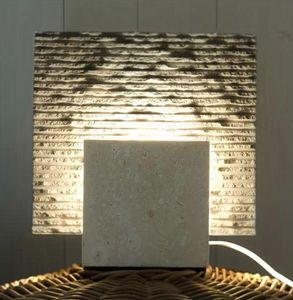 Reflex Stone, Stehlampe aus Stein, kubische Form