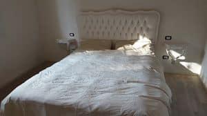 3615 DOPPELBETT L.XVI, Geschnitztes Bett, mit silbernen Blattdekorationen