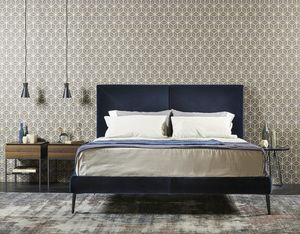 CHARLOTTE comp.01, Bett voll mit Leder oder Samt bedeckt