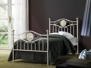 Lina Einzelbett, Klassische Eisenbett für Hotelsuite