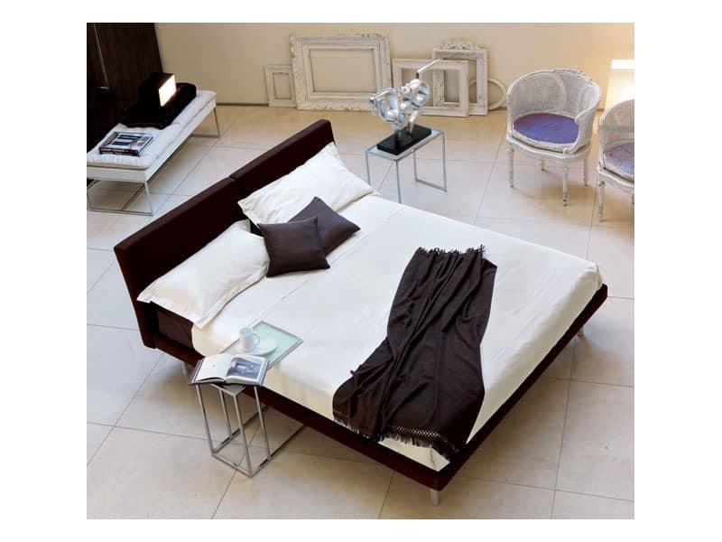 Sun, Gefüllte Bett mit Holzrahmen, gekippt Kopf