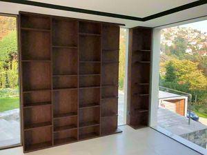 Art. A04, Modernes Bücherregal aus Holz