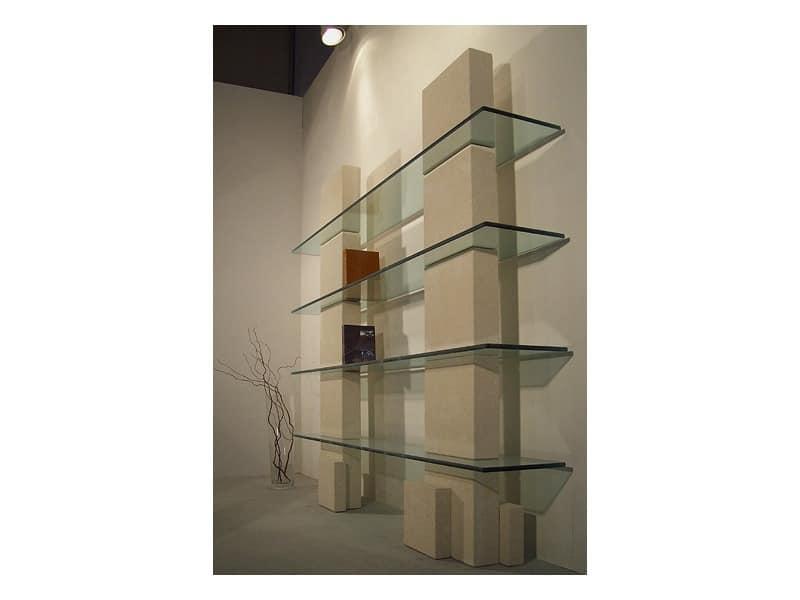 Cube bookcase, Bibliothek mit Steinstruktur und Regale im Glas