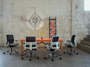 Omnia White Plus 01, Bürostuhl mit niedriger Rückenlehne