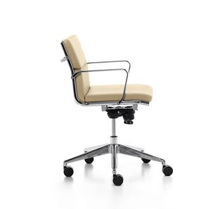 Aalborg Soft 02, Chefsessel mit Kippmechanismus, für das Büro