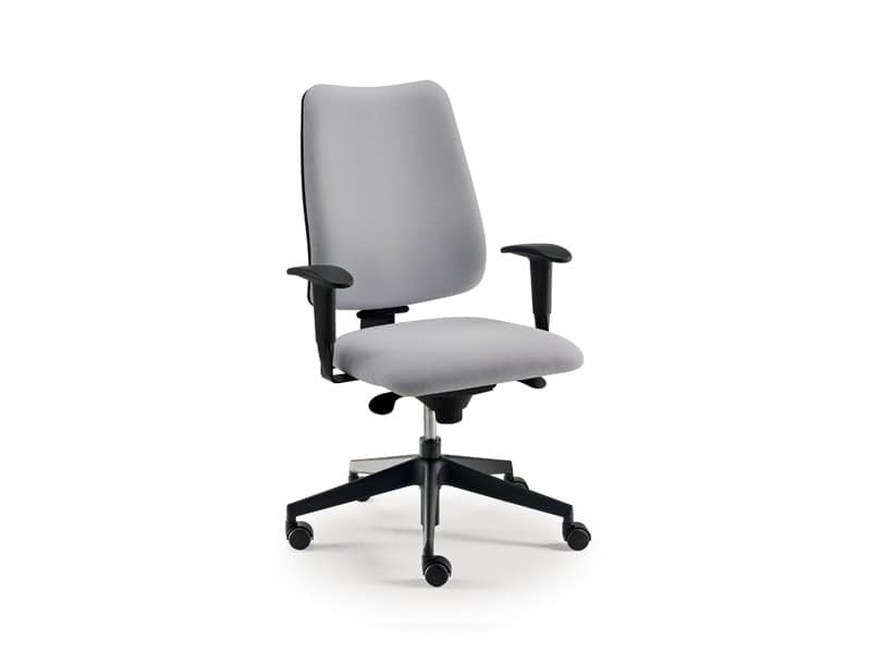 DD 4 task 53772, Operativen Bürostuhl mit Rollen und Armlehnen