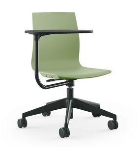 Q3, Höhenverstellbarer Stuhl auf Rollen