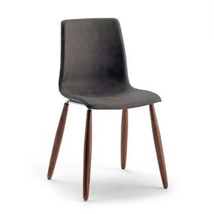 Scacco W, Stapelbarer Stuhl mit Holzbeinen