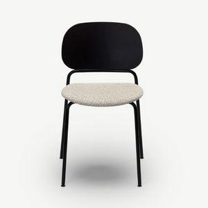 Upon, Stapelbarer Stuhl mit Metallrahmen