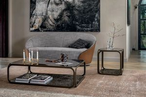 REMIND, Kleine Tische mit Metallgestell, Glasplatte und Boden aus Feinsteinzeug