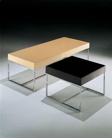 Square coffee table - bench, Kaffeetisch mit rohrförmigen Grund, für die Aufnahme