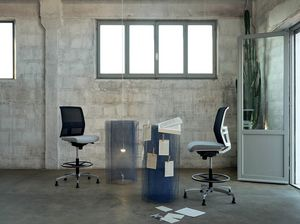 Omnia White Stool 02, Verstellbarer Hocker für Büros