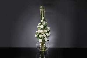 Eternity Penelope Column Roses, Blumenarrangement auf Glasvase