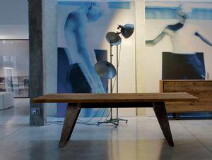 B-187, Tisch mit Massivholzplatte