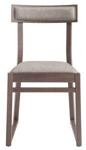 SE 439, Holzstuhl mit gepolstertem Sitz