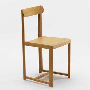 Seleri, Stuhl mit kompaktem und leichtem Design