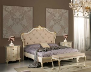 Art. 3802, Elegantes Bett mit handgefertigten Schnitzereien