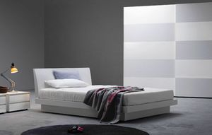 Brio, Doppelbett aus Holz