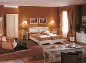 Collezione Este, Hotelzimmer Möbel, gebürstet weiß lackiert, Blattgold Verzierungen